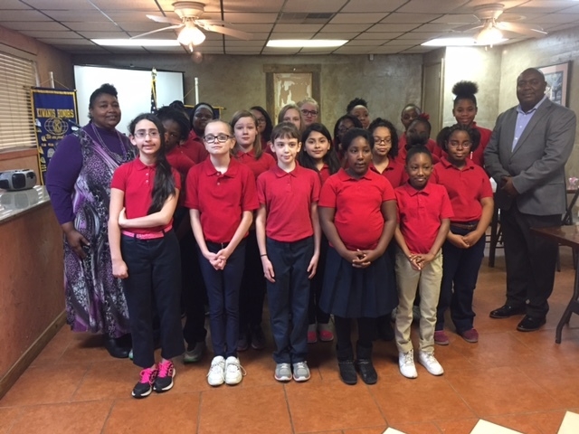 Choir performs for Kiwanis Club